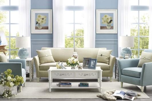 恣在家蓝色风铃能带给人以春日气息…